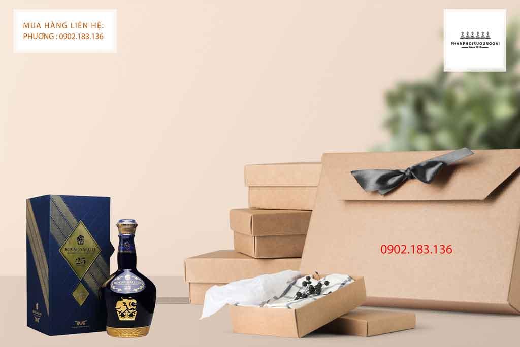 Rượu Royal Salute 25 năm sẽ là món quà biếu sang trọng