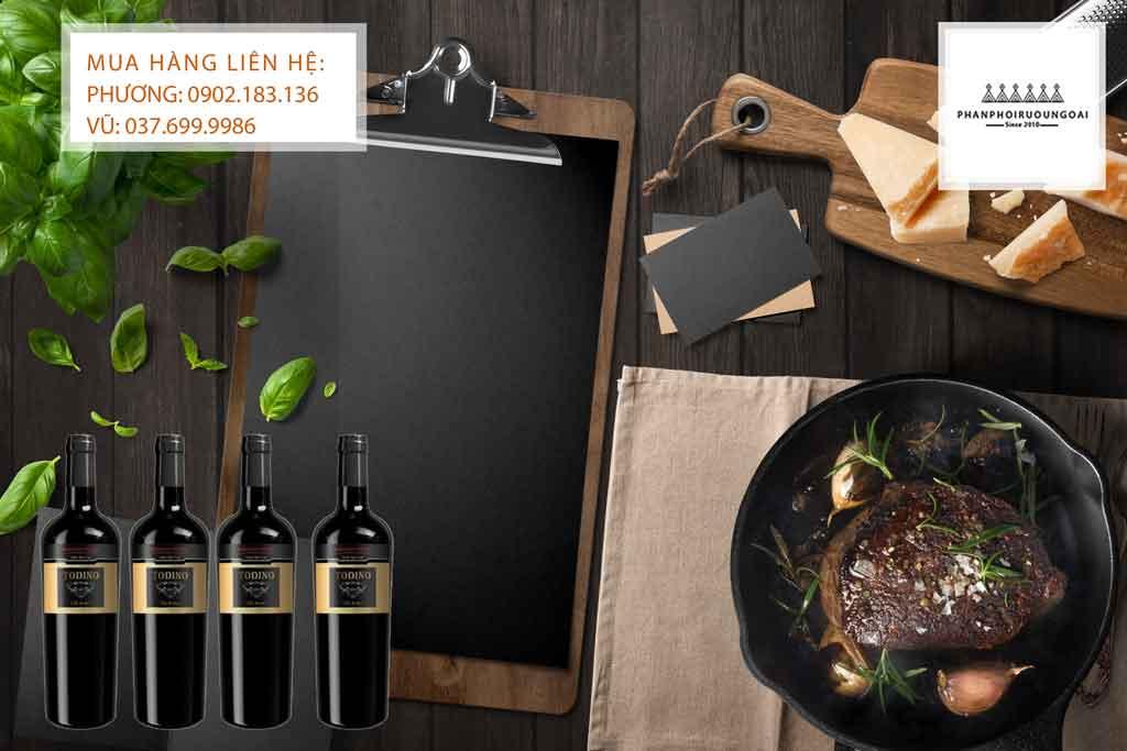 Rượu vang Ý Todino chát và Bít Tết