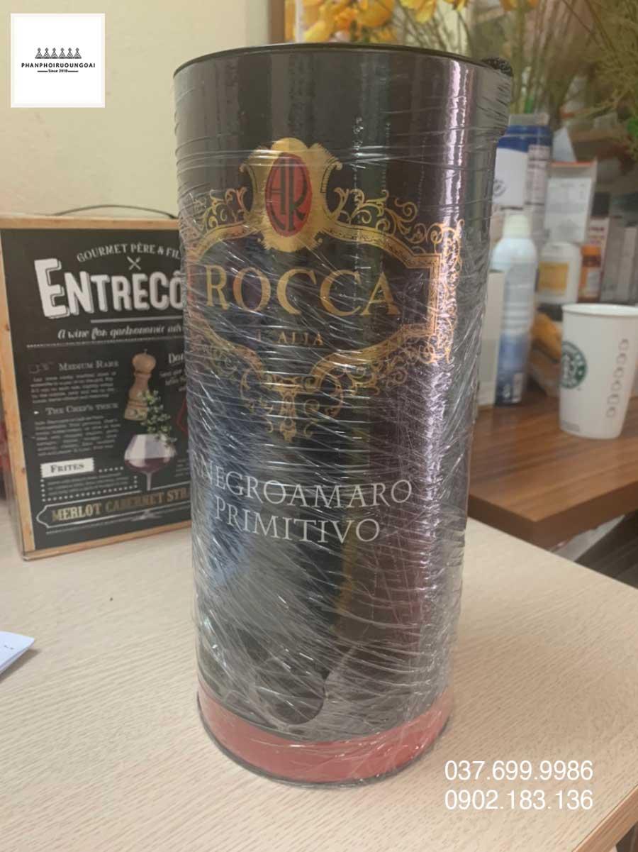 Ảnh Rượu vang Bịch Ý Rocca 3 L từ 2 giống nho Negroamaro và Primitivo