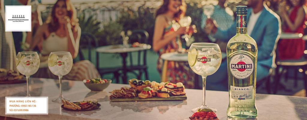 Rượu Martini Bianco để làm ra những ly cocktail tuyệt vời