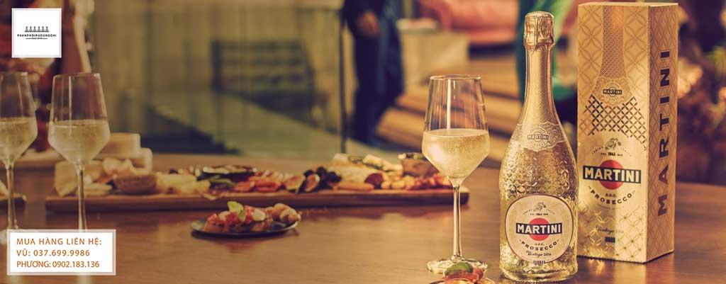 Rượu vang nổ Ý Martini Special Collection Prosecco và các món ăn ngon