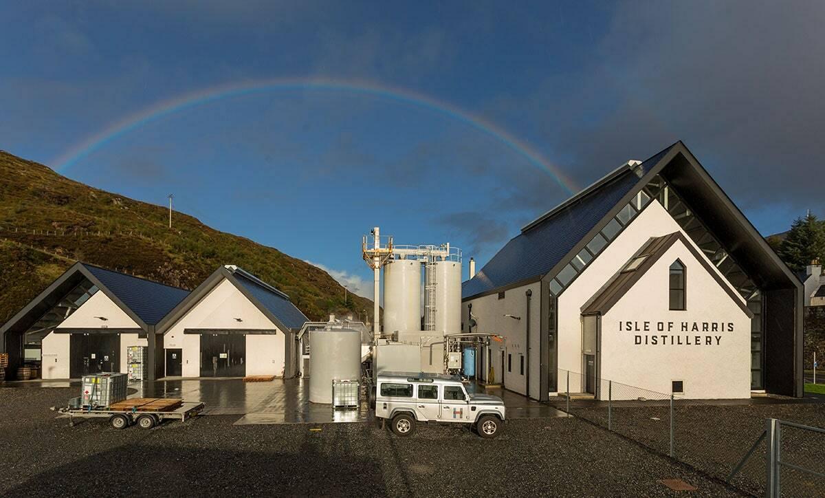 Nhà máy trưng cất tại Edinburg Scotland sản xuất nước rửa tay