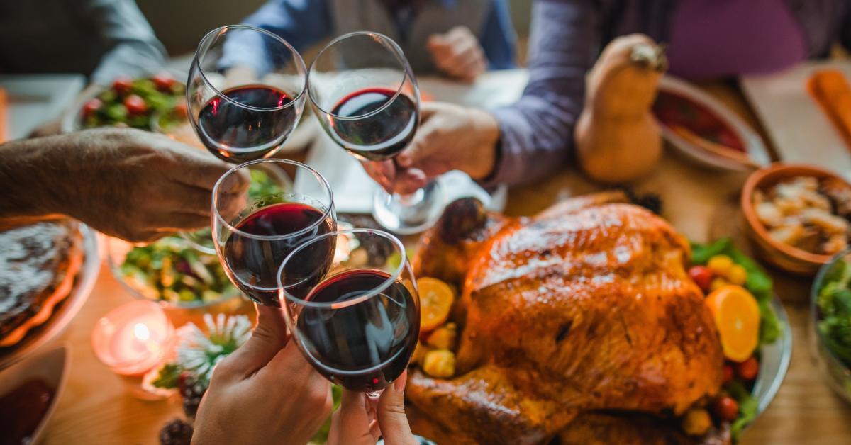 Rượu vang cho lễ tạ ơn hoặc các bữa tiệc của gia đình
