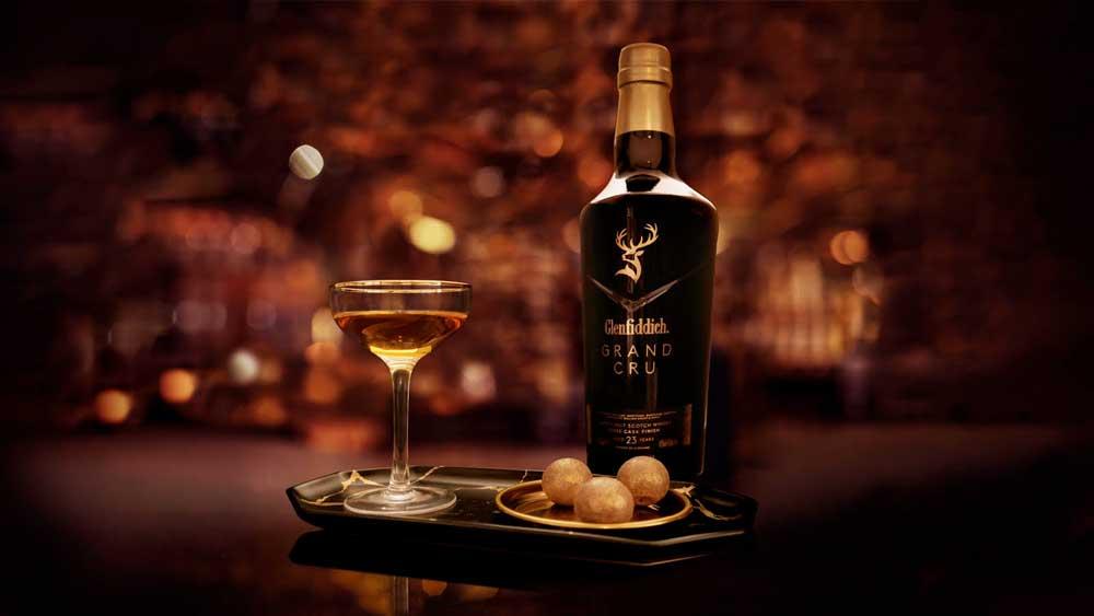 Rượu Glenfiddich Gran Cru là niềm tự hào của Glenfiddich năm 2020