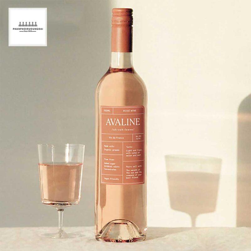 Chai rượu vang hồng Avaline