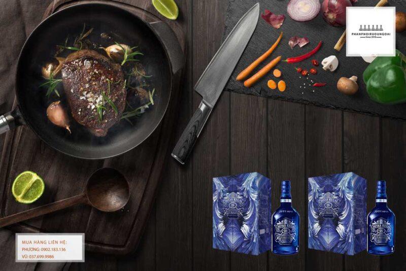 Rượu Chivas 18 Blue Signature hộp quà tết 2021 và món ăn ngon