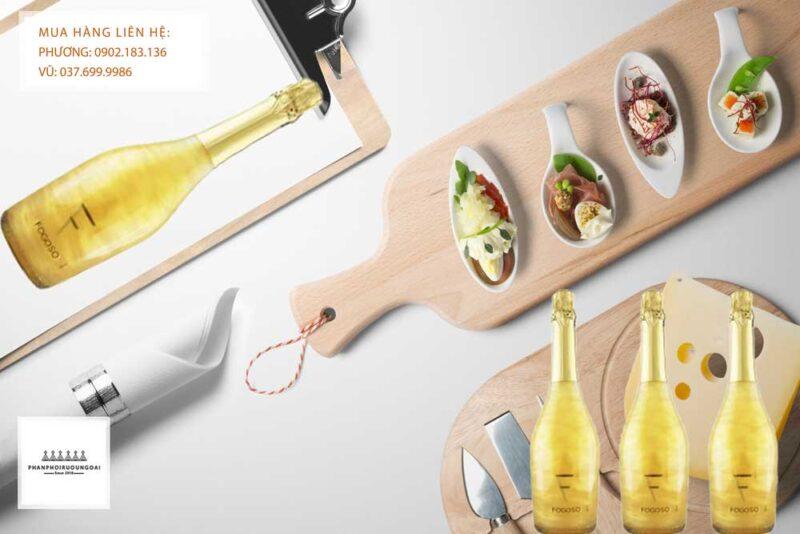Rượu vang Nổ Tây Ban Nha Fogoso Oro và bữa tiệc nhẹ