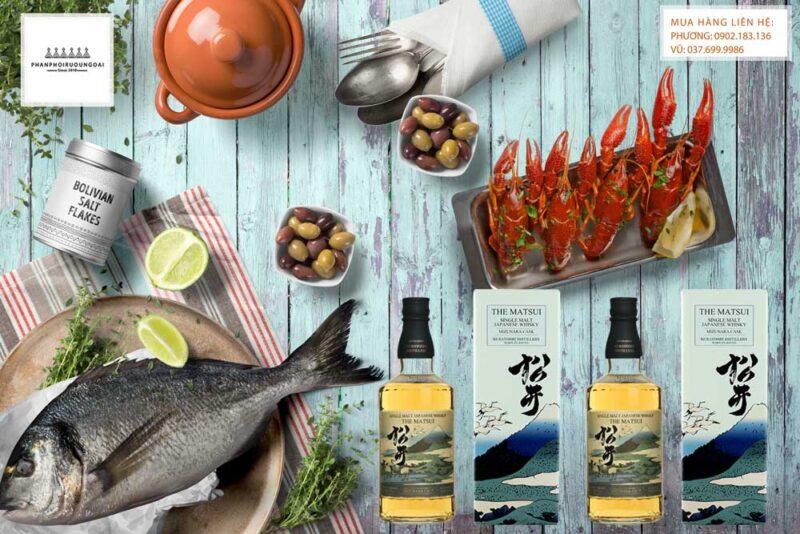 Thưởng thức rượu Whisky Japanese Matsui Mizunara Cask với hải sản