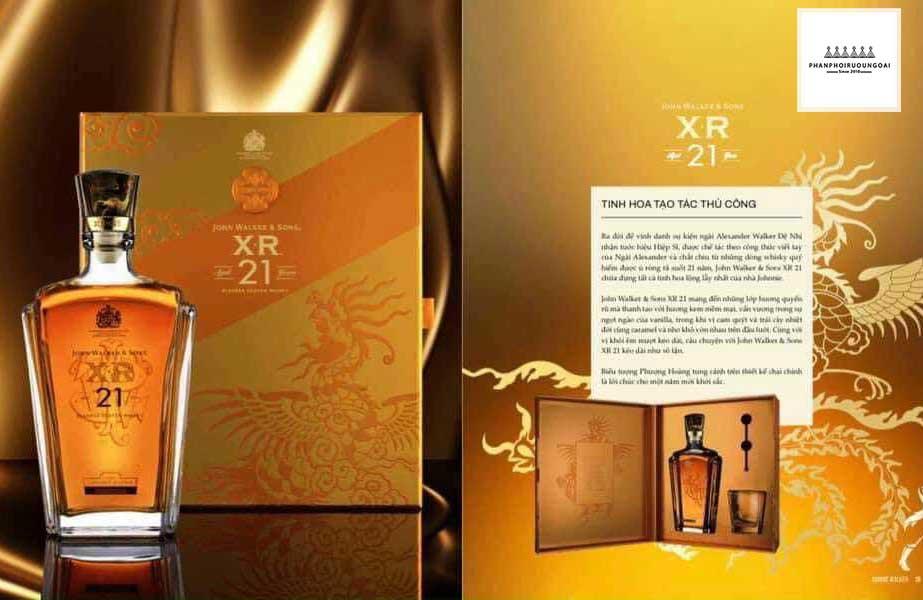 Tuyệt tác thủ công với rượu Johnnie Walker XR 21 hộp quà tết 2021