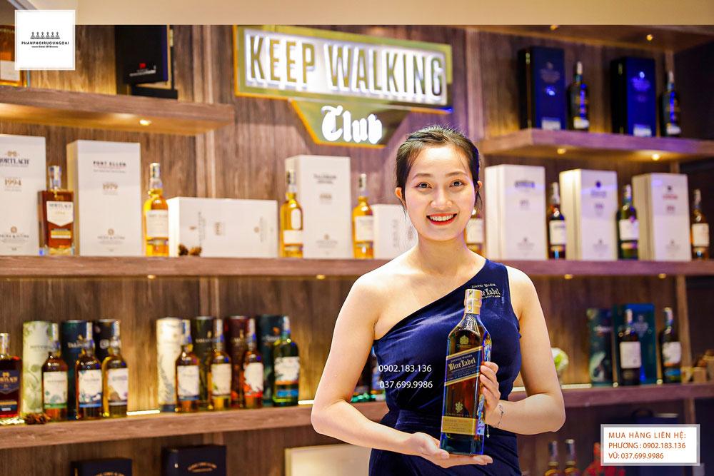 PG Johnnie Walker giới thiệu rượu Johnnie Walker Blue Label tới khách hàng 2021