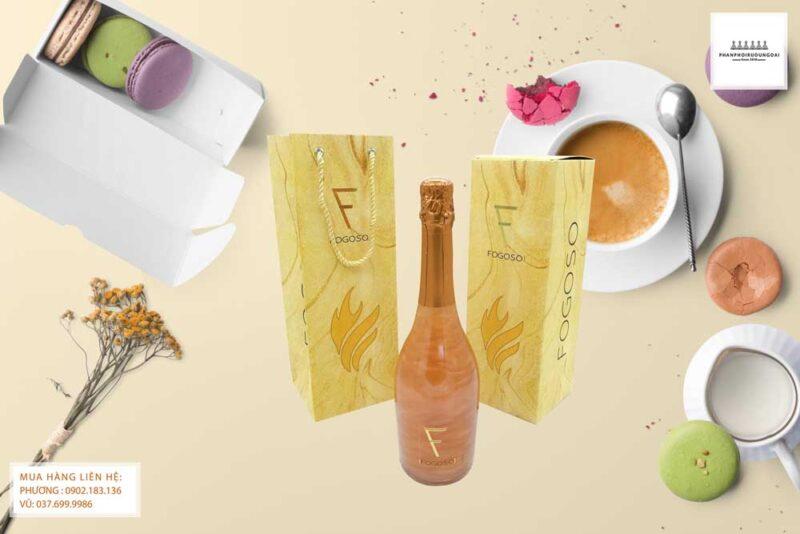 Bữa tráng miệng với rượu vang nổ Fogoso Bronce hộp quà tết 2021