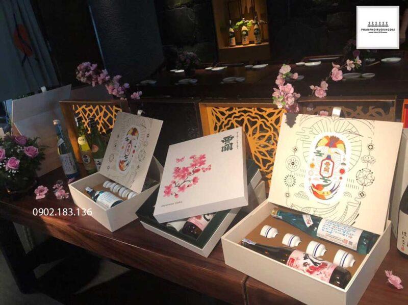 Mẫu Sake hộp quà tết cho biếu tặng gia đình và người thân năm 2021
