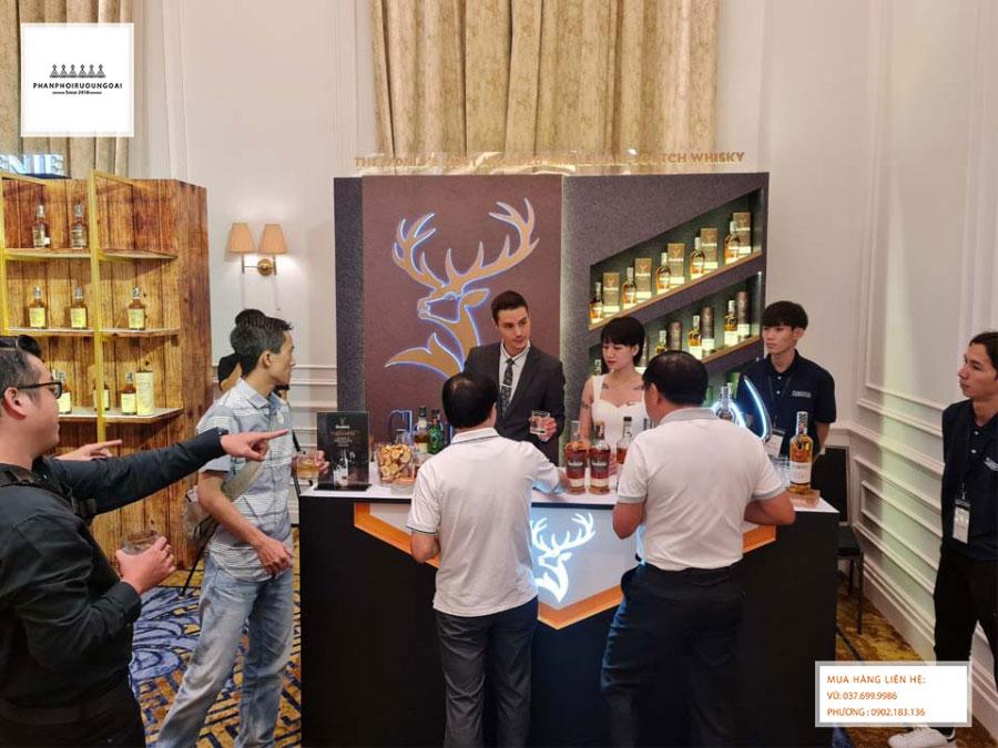 Nhà The Glenfiddich giải thích sự khác biệt của The Glenfiddich so với các loại rượu Whisky khác