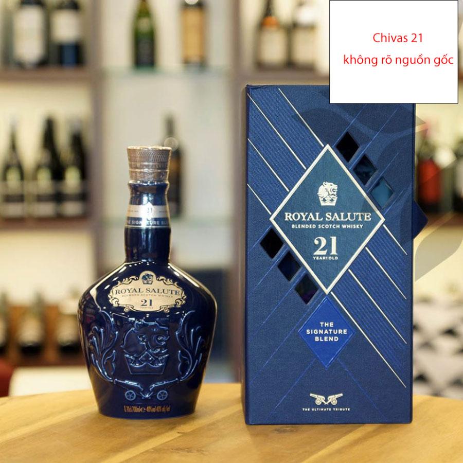 Rượu Chivas 21 không rõ nguồn gốc - không có tem nhập khẩu