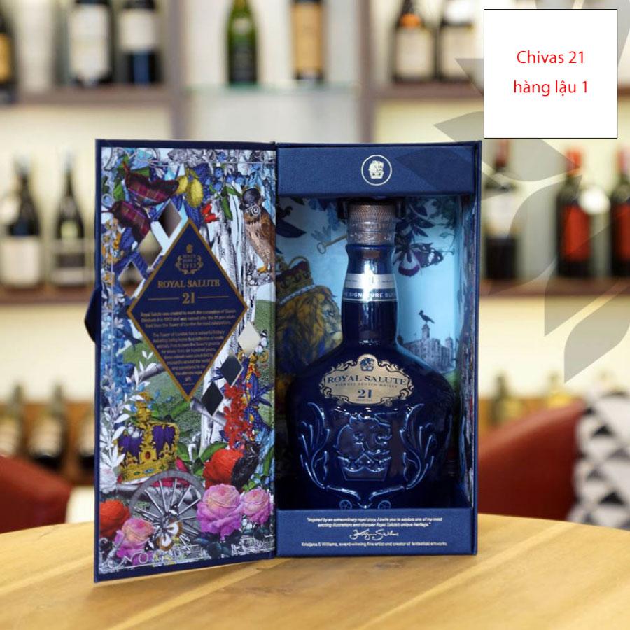 Rượu Chivas 21 xách tay không rõ nguồn gốc tại thị trường Việt Nam