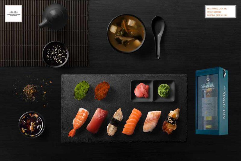 Thưởng thức rượu Singleton 12 năm hộp quà tết 2021 và sushi