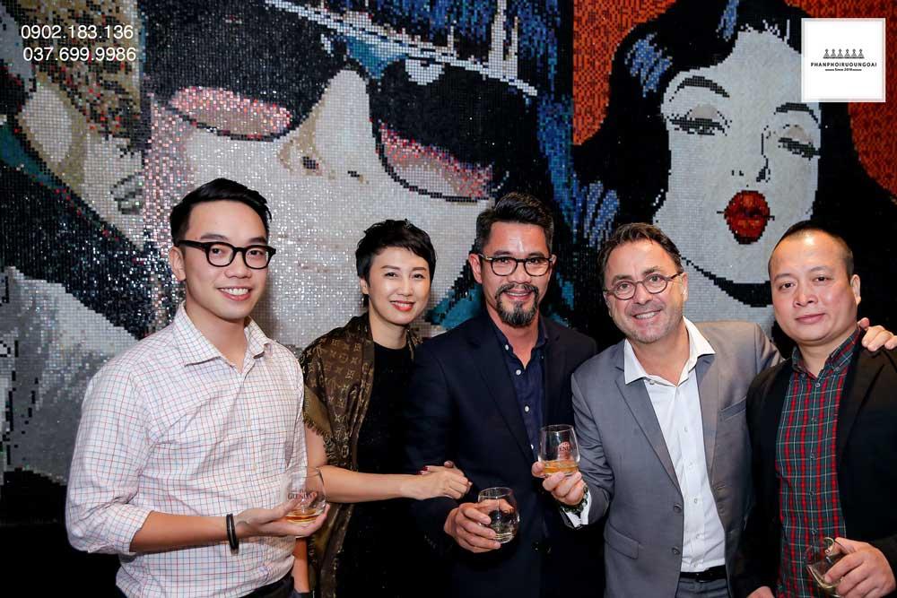 Các thực khách và giám độc Pernod Ricard Việt Nam