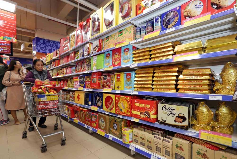 Người tiêu dùng có đa dạng chọn lựa cho mua sắm tết 2021