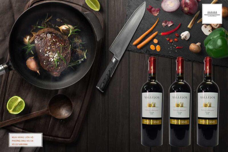 Thưởng thức rượu vang Tây ban Nha Vallejos Cabernet Sauvignon