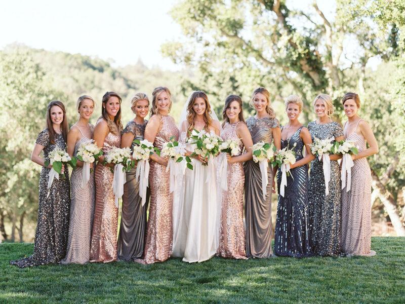 Đám cưới tuyệt hảo hơn khi có rượu vang nổ được phục vụ