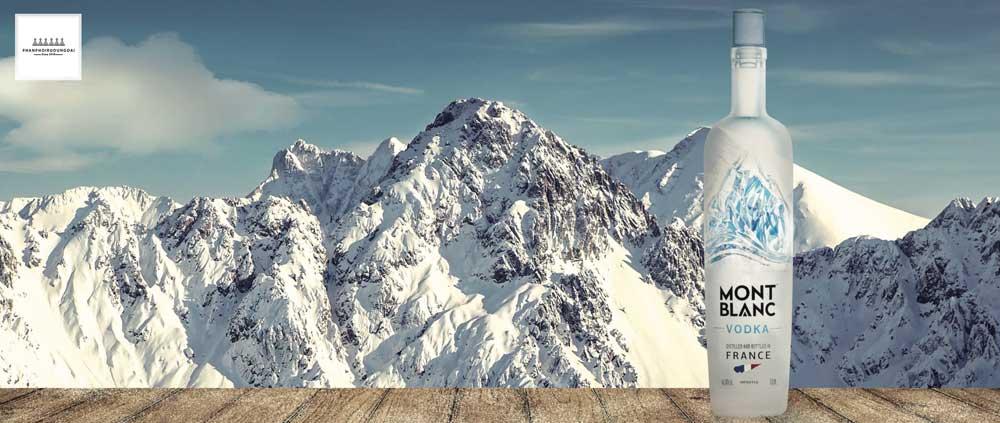 ĐỈnh núi Mont Blanc nơi khơi nguồn cho thương hiệu Rượu Vodka Mont Blanc
