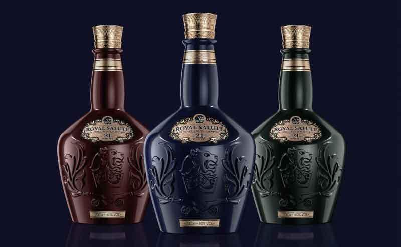 Ba Phiên bản của rượu Chivas 21 Signature Blend là Sapphire , Emerald , Ruby Flagon