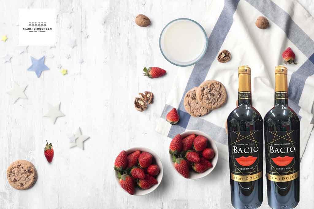 Rượu vang ý ngọt giá rẻ Bacio Semi Dolce